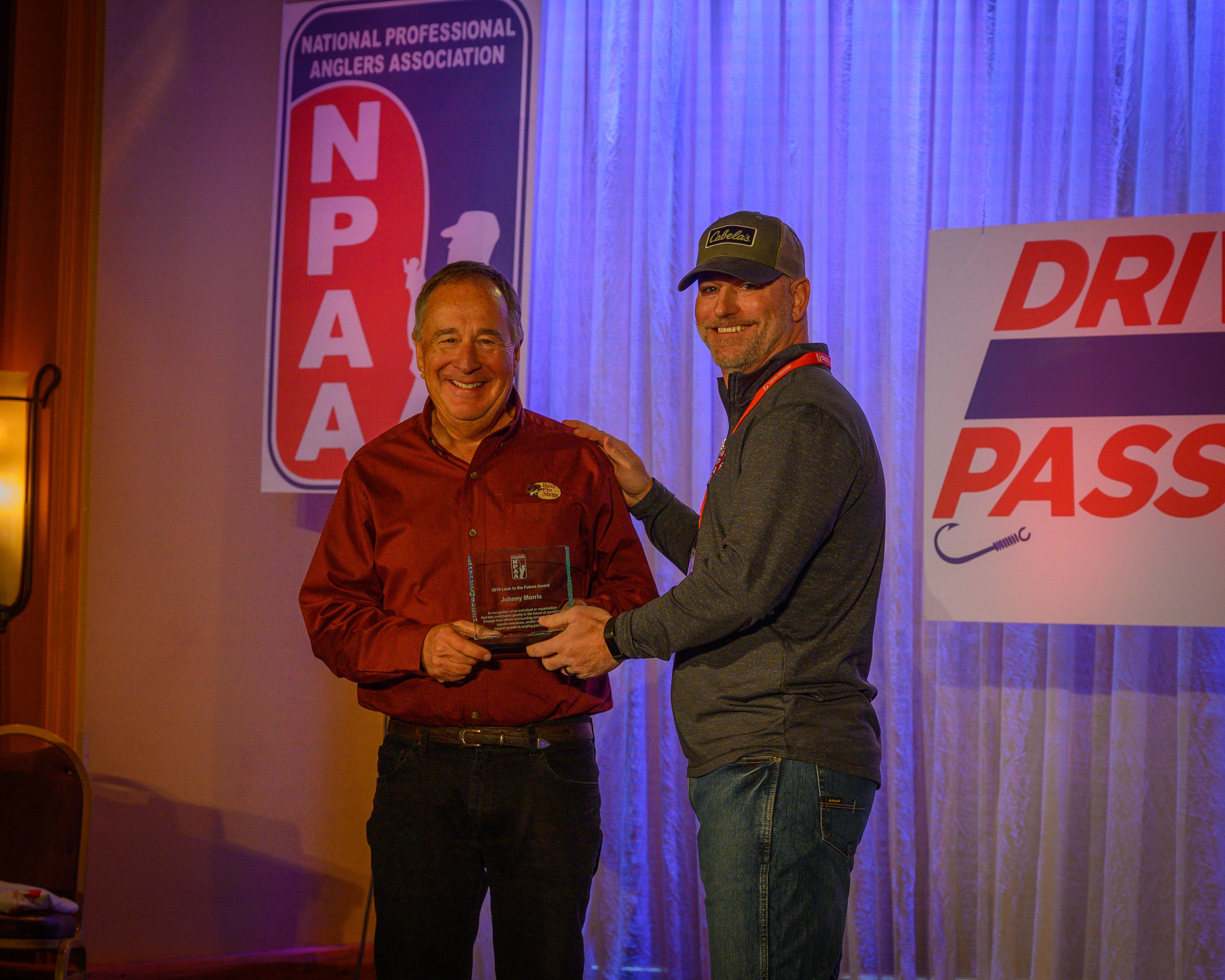 Johnny Morris receives Award