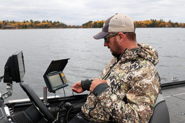 Pro Angler Uses Underwater Camera