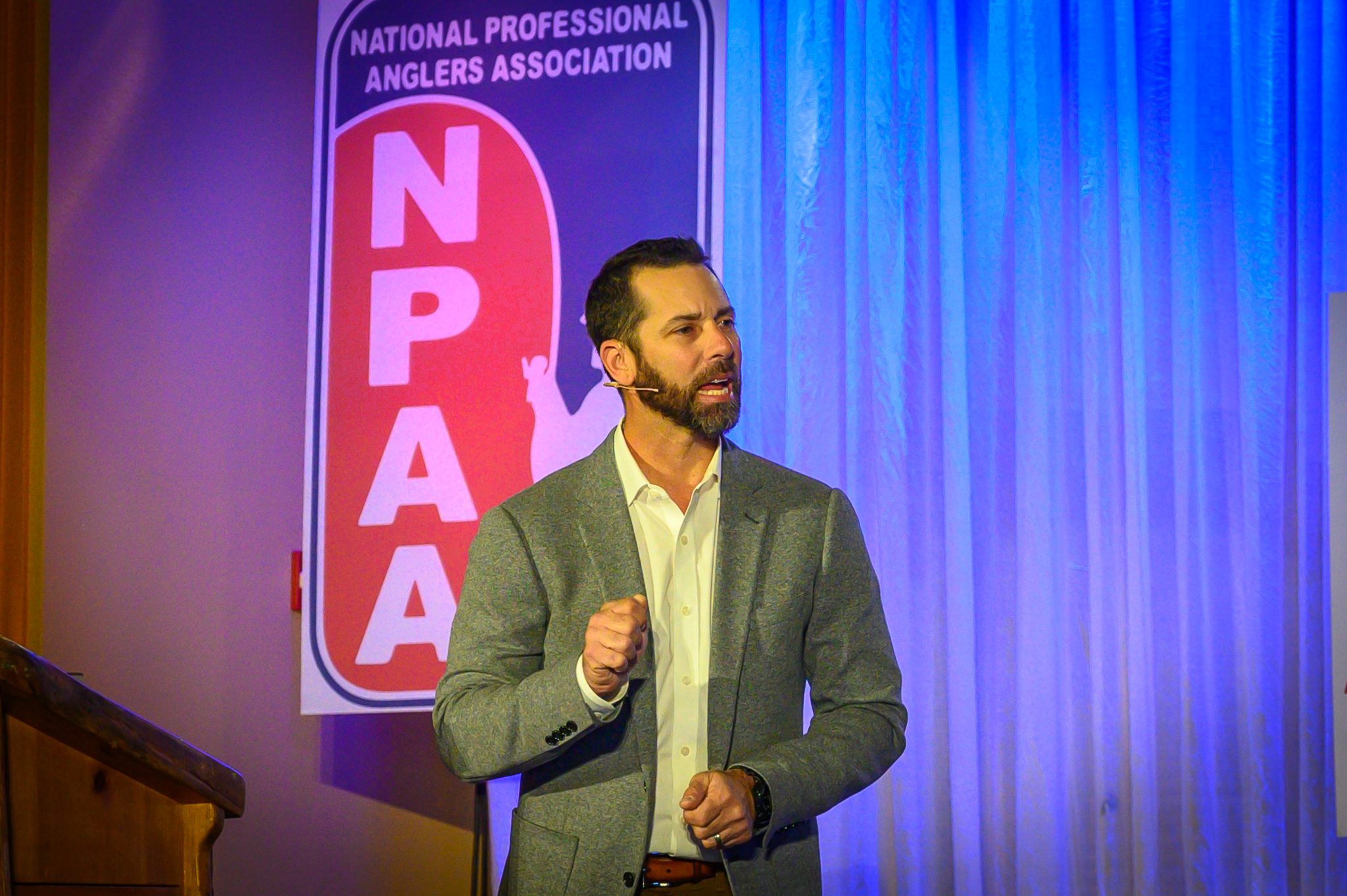 Mike Iaconelli addresses conference attendees.